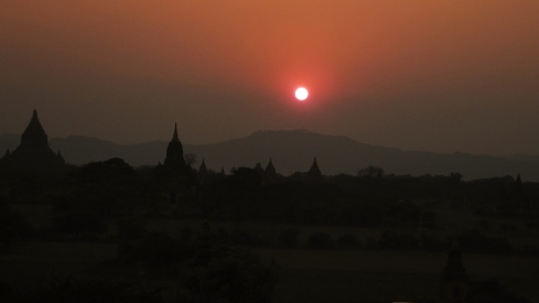 Sunset in Old Bagan